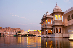 golden triangle city palace udaipur rajasthan