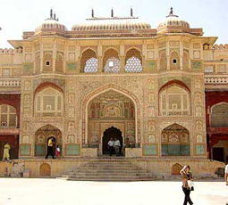 golden triangle amber fort jaipur rajasthan